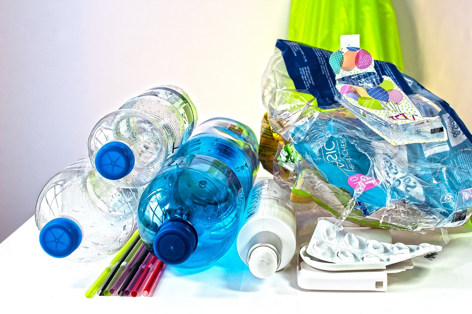 Province to make producers responsible for plastic waste